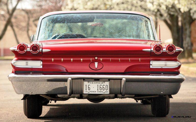 1960 Pontiac Bonneville Sport Coupe 17