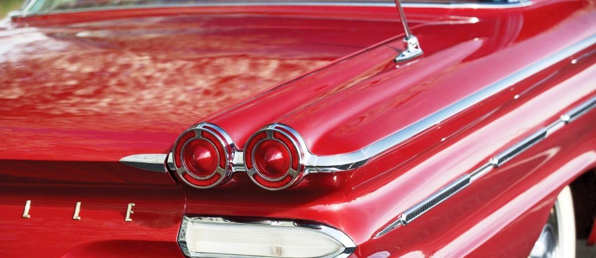 1960 Pontiac Bonneville Sport Coupe 9