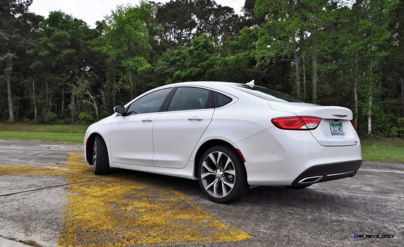 2015 Chrysler 200C V6 17
