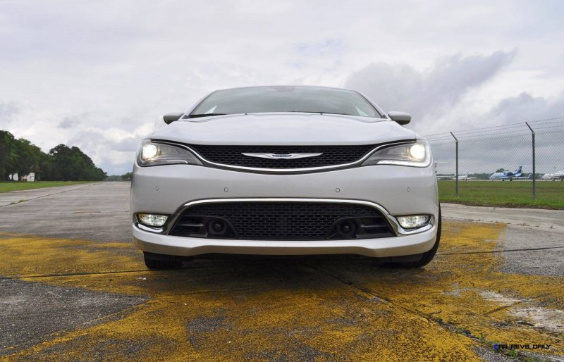 2015 Chrysler 200C V6 26