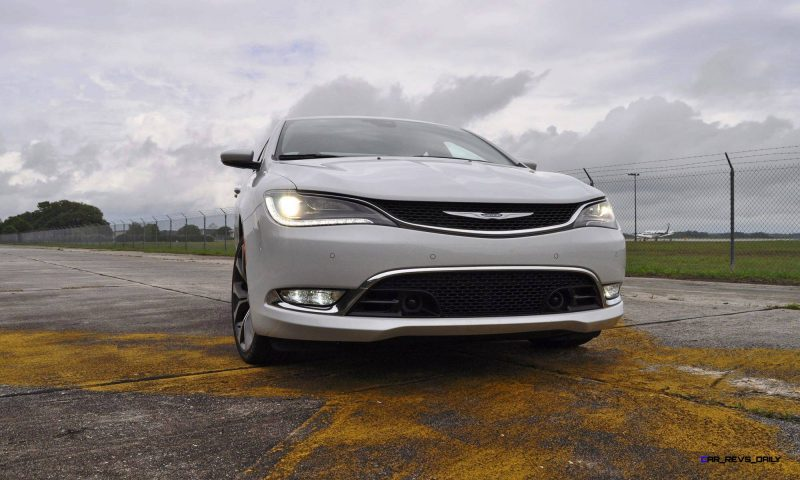 2015 Chrysler 200C V6 29