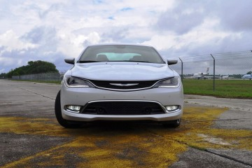 2015 Chrysler 200C V6 3