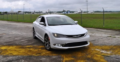 2015 Chrysler 200C V6 37