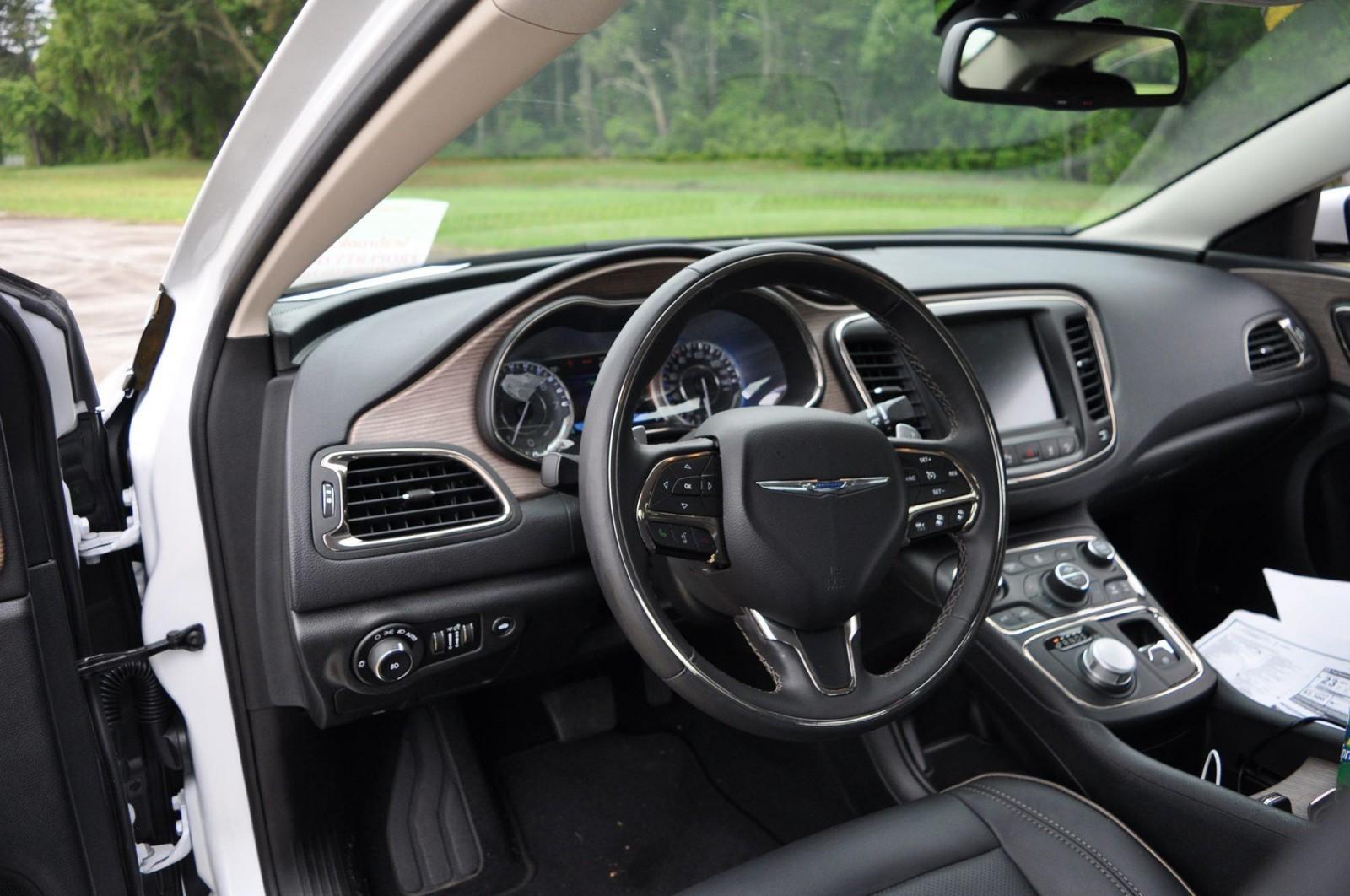 2015 Chrysler 200C V6 40
