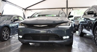 2015 Chrysler 200S Ceramic Blue 13