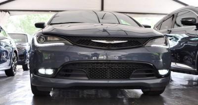 2015 Chrysler 200S Ceramic Blue 3