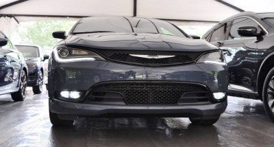 2015 Chrysler 200S Ceramic Blue 4