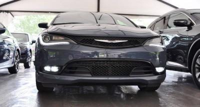 2015 Chrysler 200S Ceramic Blue 4