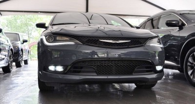 2015 Chrysler 200S Ceramic Blue 6