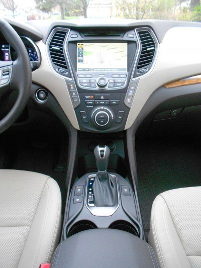 2015 Hyundai Santa Fe Limited AWD 11