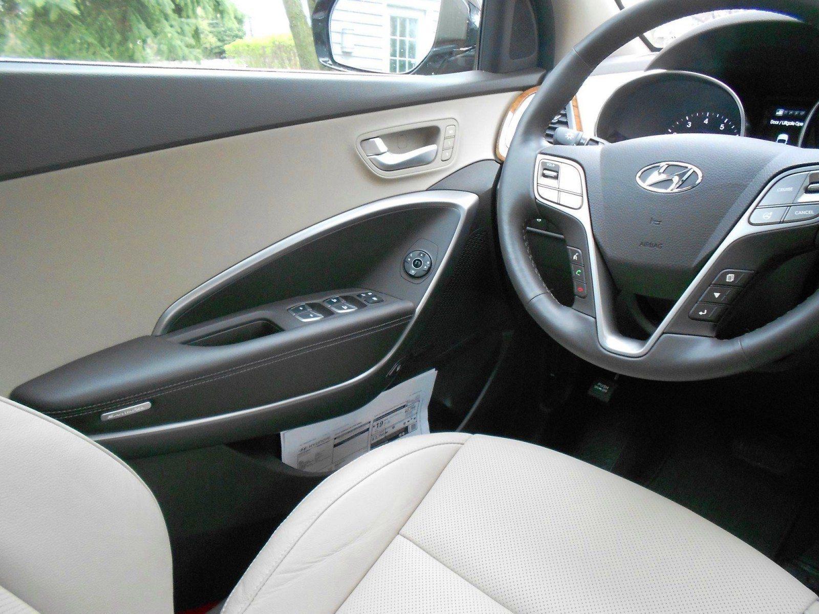 2015 Hyundai Santa Fe Limited AWD 13