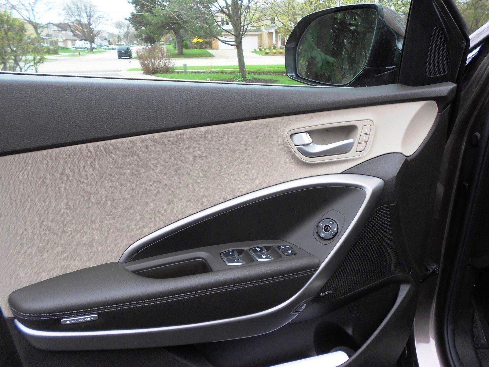 2015 Hyundai Santa Fe Limited AWD 16