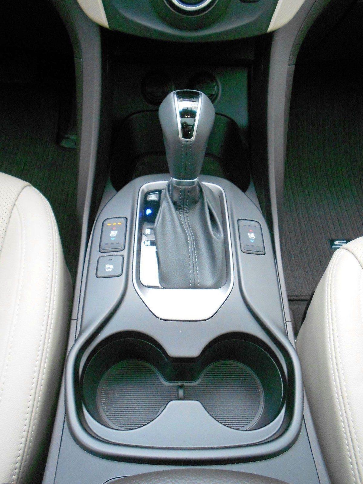 2015 Hyundai Santa Fe Limited AWD 17