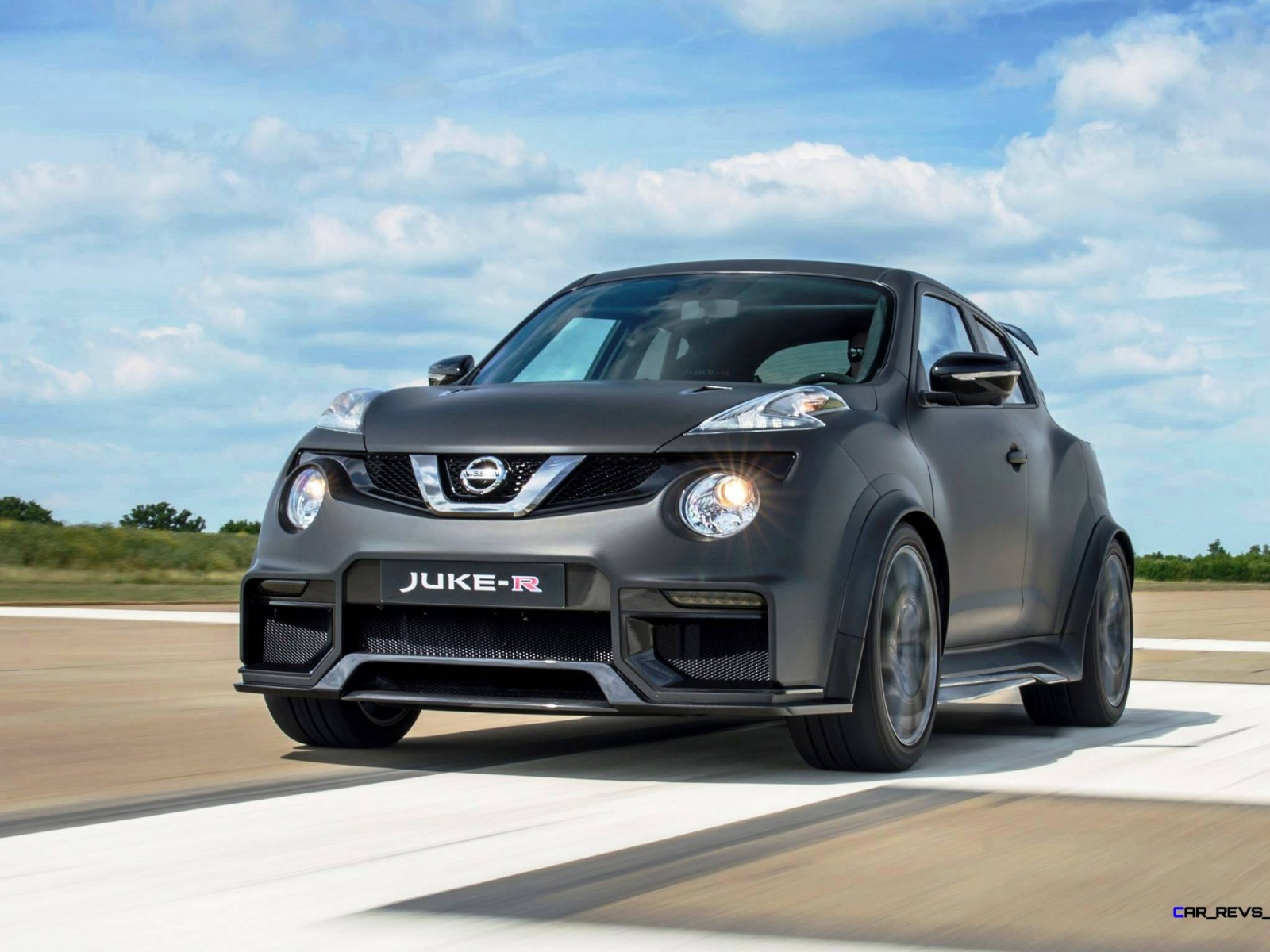 the nissan juke r gets an exciting upgrade introducing the juke r 2 0. Black Bedroom Furniture Sets. Home Design Ideas