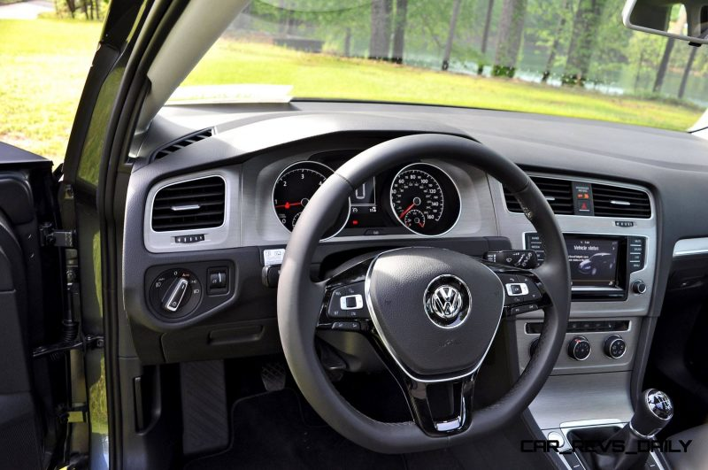 2015 VW Golf Sportwagen TDI SE 18