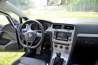 2015 VW Golf Sportwagen TDI SE 9