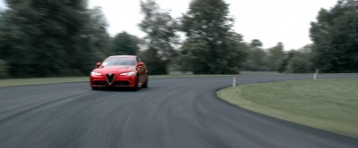 2016 Alfa Romeo Guilia Dynamic Screencaps 20