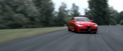 2016 Alfa Romeo Guilia Dynamic Screencaps 21