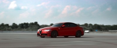 2016 Alfa Romeo Guilia Dynamic Screencaps 40
