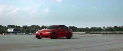 2016 Alfa Romeo Guilia Dynamic Screencaps 42