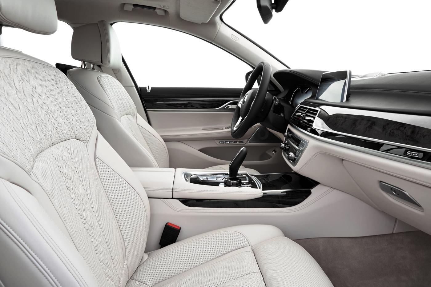2016 BMW 7 Series Interior Photos 1