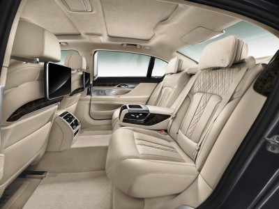 2016 BMW 7 Series Interior Photos 10