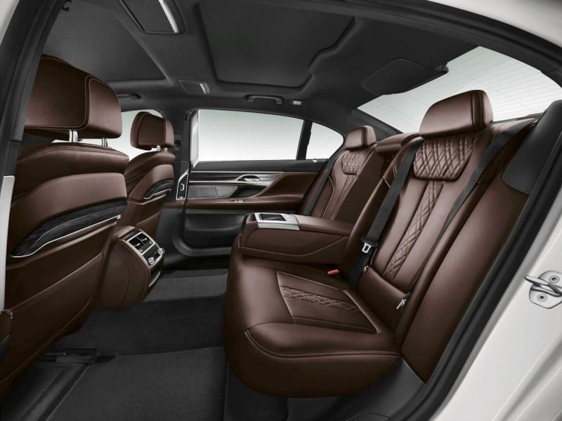 2016 BMW 7 Series Interior Photos 11