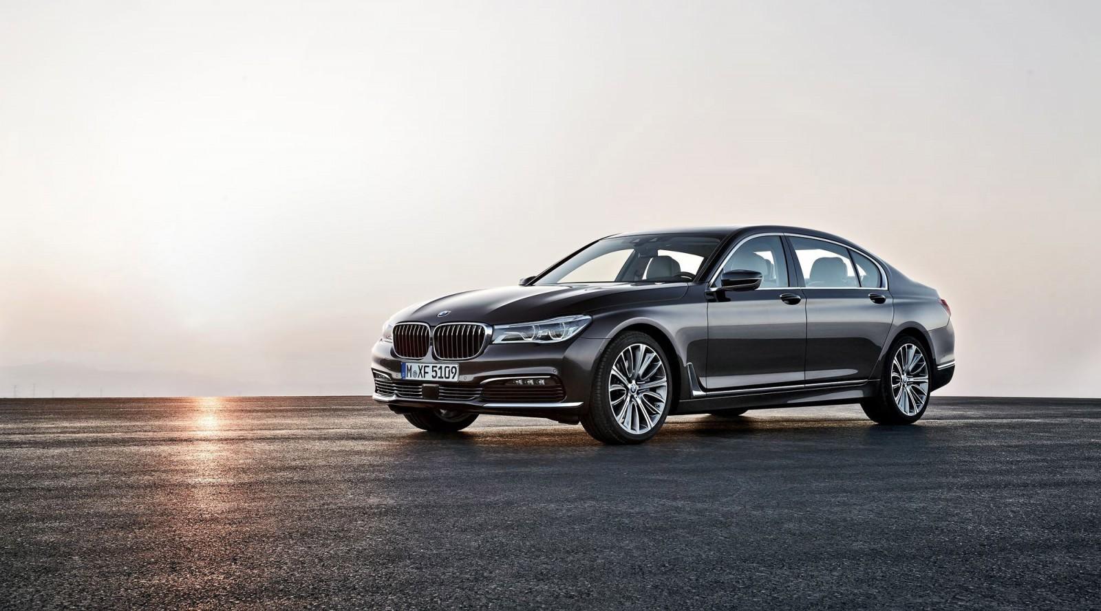 2016 BMW 750 Exterior Photos 10