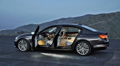 2016 BMW 750 Exterior Photos 11