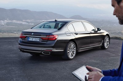 2016 BMW 750 Exterior Photos 17