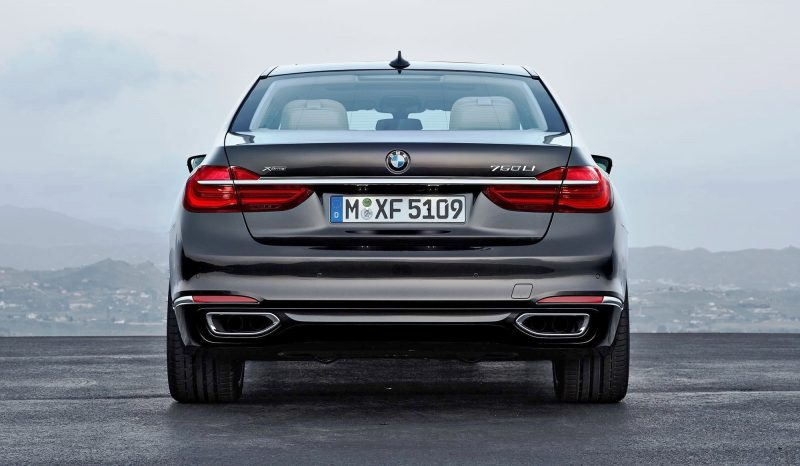 2016 BMW 750 Exterior Photos 18