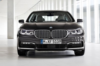 2016 BMW 750 Exterior Photos 19