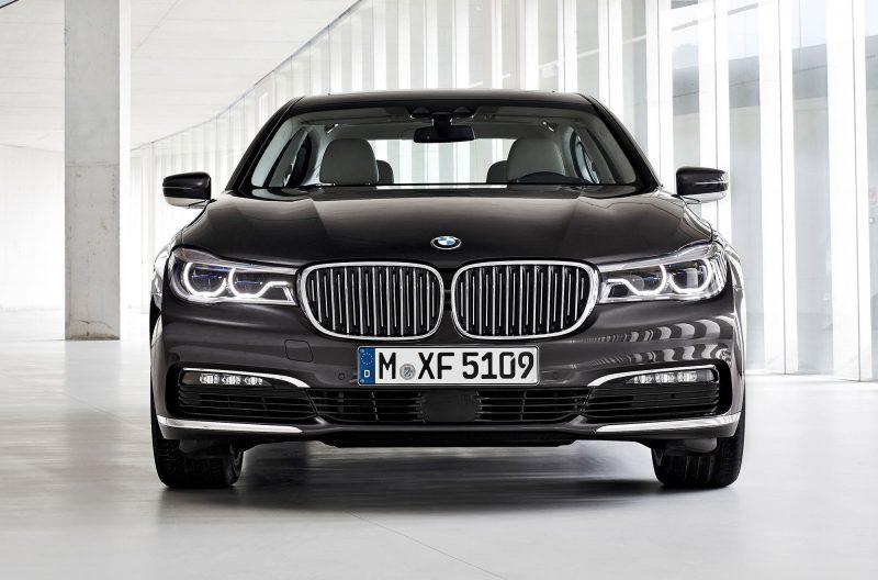 2016 BMW 750 Exterior Photos 19