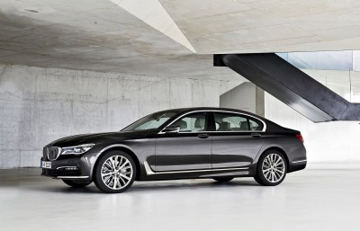 2016 BMW 750 Exterior Photos 21