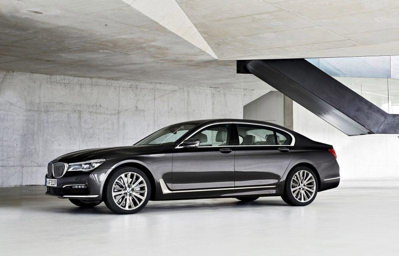 2016 BMW 750 Exterior Photos 21