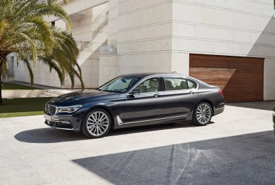 2016 BMW 750 Exterior Photos 23