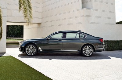 2016 BMW 750 Exterior Photos 24
