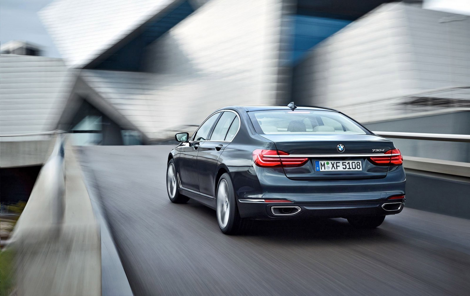 2016 BMW 750 Exterior Photos 4