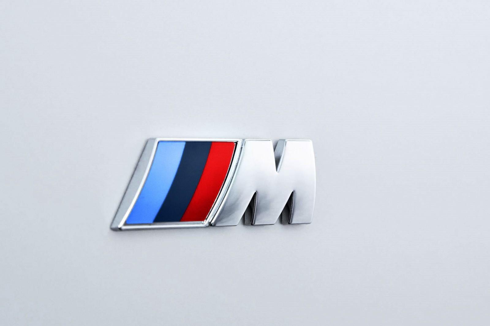 2016 BMW 750 Exterior Photos 44
