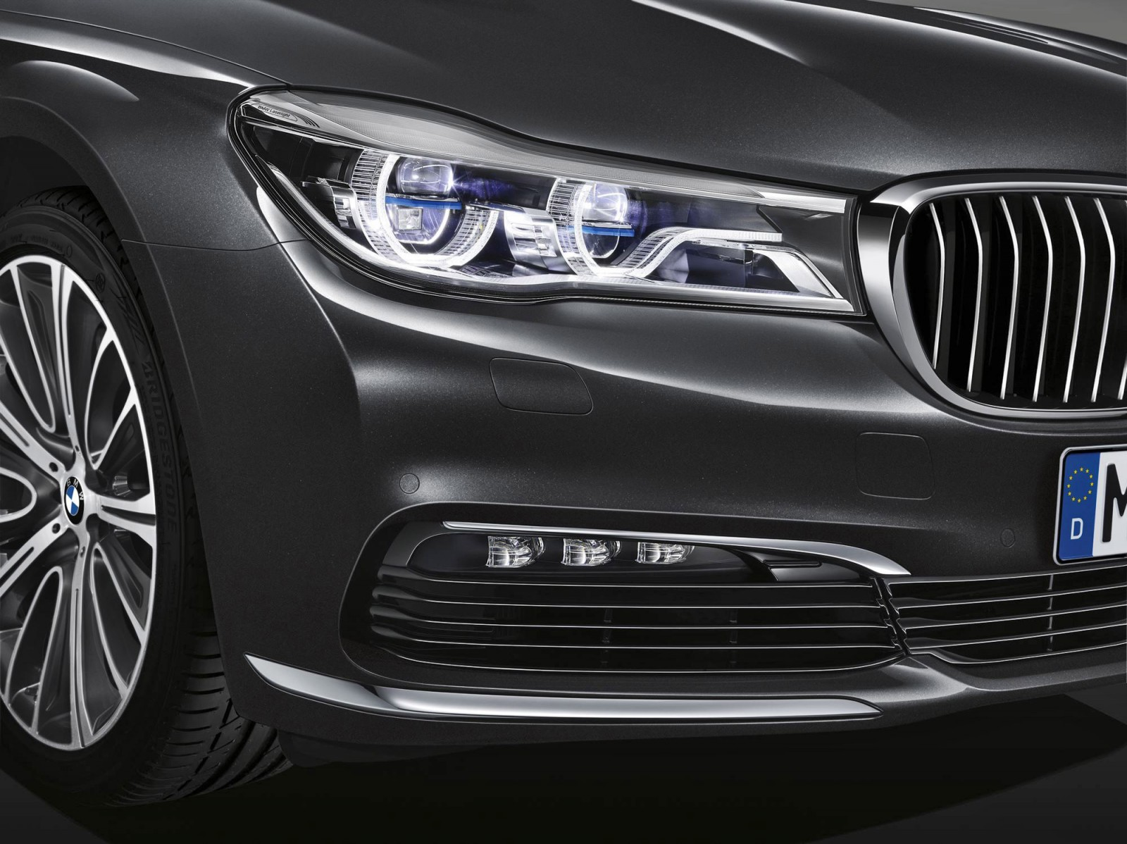 2016 BMW 750 Exterior Photos 48