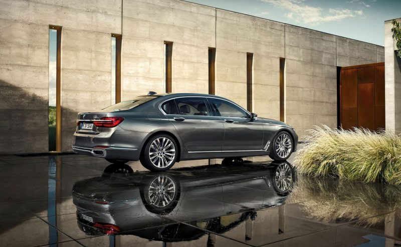 2016 BMW 750 Exterior Photos 54