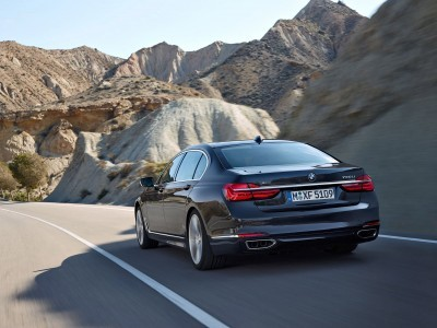 2016 BMW 750 Exterior Photos 8