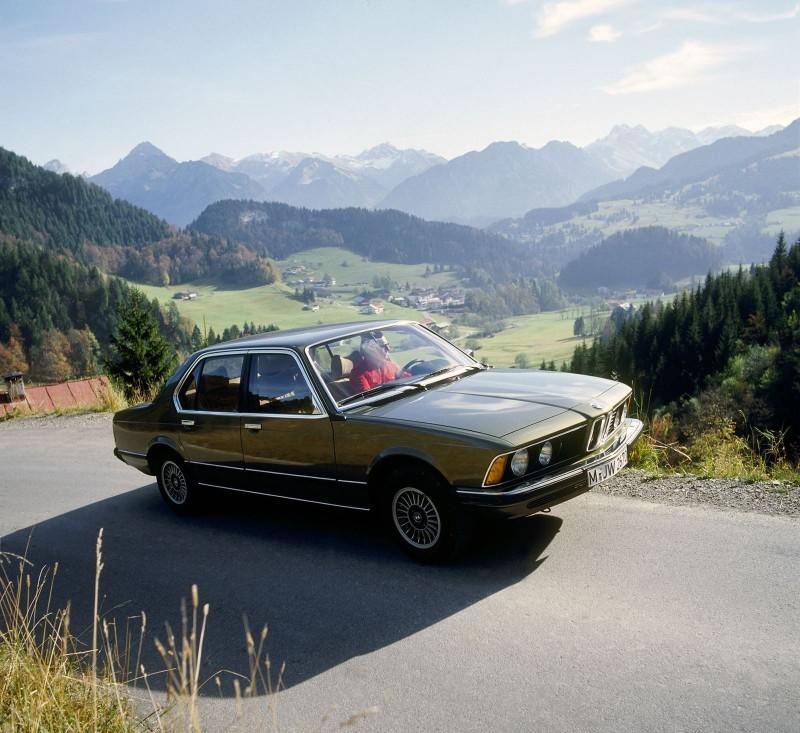 2016 BMW 750Li Launch Images 36