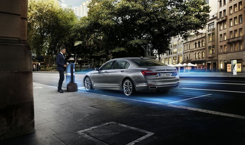 2016 BMW 750Li Launch Images 60