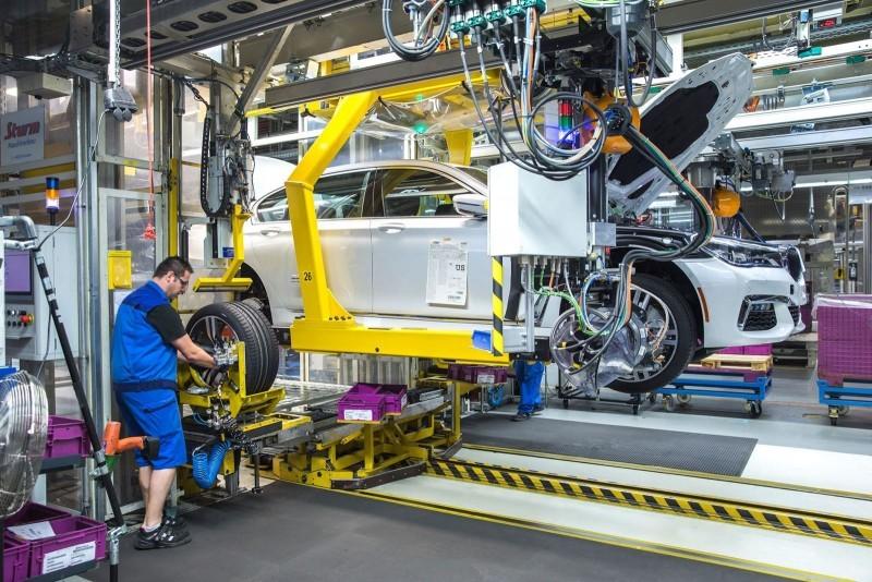2016 BMW 750Li Launch Images 81