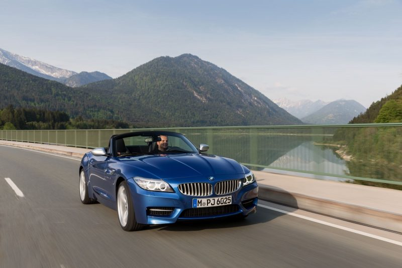 2016 BMW Z4 M Sport Estoril Blue 21