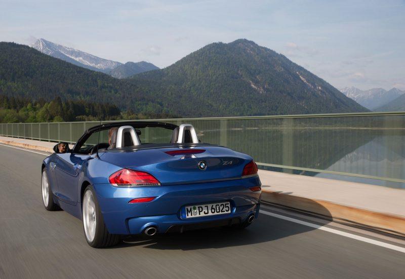 2016 BMW Z4 M Sport Estoril Blue 32