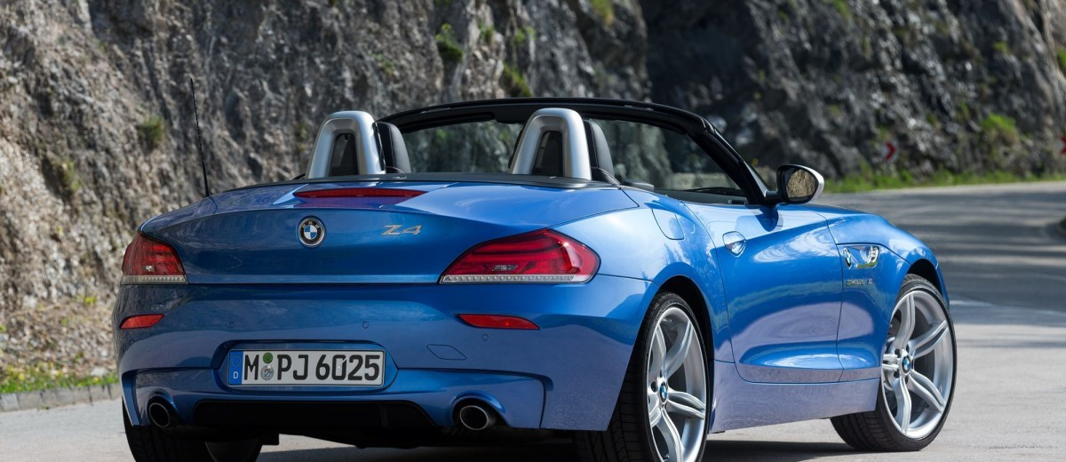 2016 BMW Z4 M Sport Estoril Blue 39