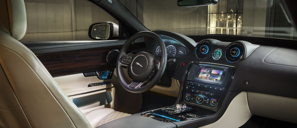 2016 Jaguar XJ 10