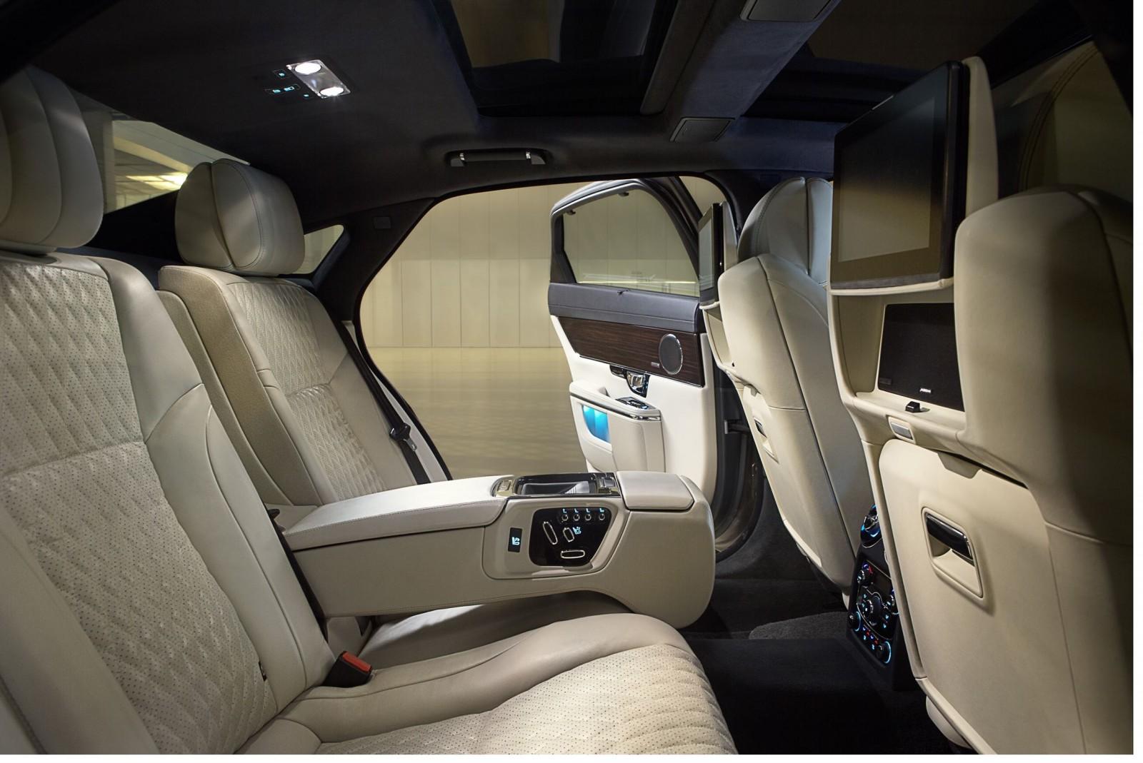 2016 Jaguar XJ 11